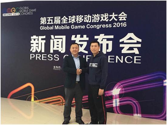 竞技时代CEO李金龙(图左)与GMGC CSO魏强(图右)合影