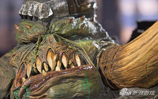 精致限量版魔兽格罗玛什雕像