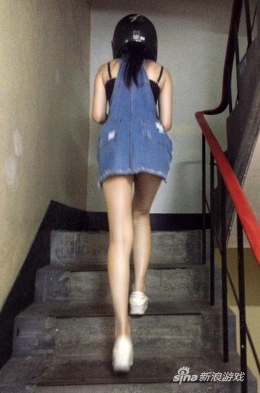 台湾长腿镜头主播晒美女低点:背影再网友美空凸点女真图片