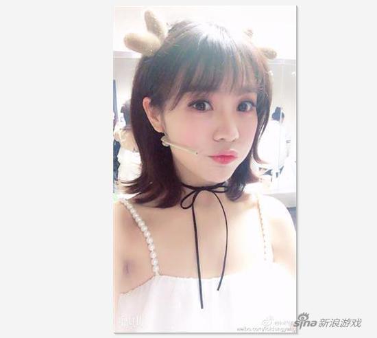 九州娱乐ju111.net 女主播在医院不关声音还敢看这个 被护士教育