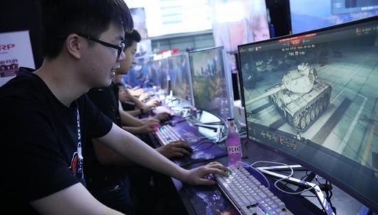 玩家试玩《装甲战争》