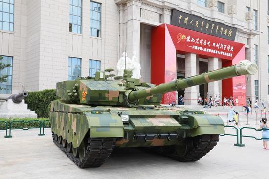 于中国人民解放军建军90周年之际重新开馆的中国人民革命军事博物馆,作为本次首都红色军武之旅最后一站,各位军迷玩家定会在这里大饱眼福,深刻感受到人民军队的伟大与强大。