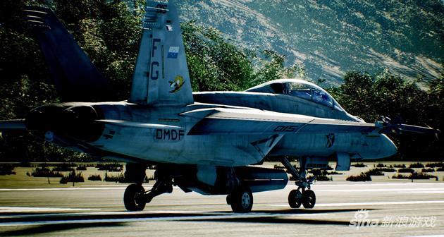 之前万代南梦宫贴出的本作F/A-18F图