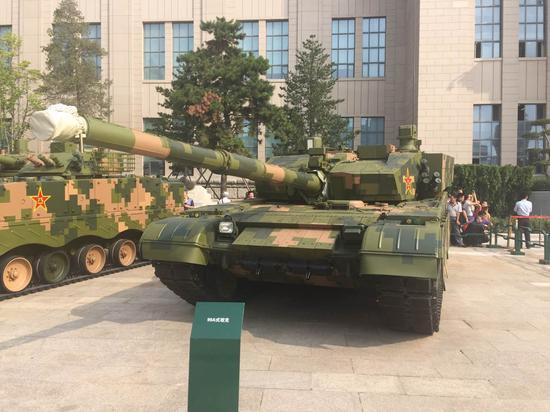 """军迷最爱——中国人民革命军事博物馆展出的""""陆战王牌""""99A"""