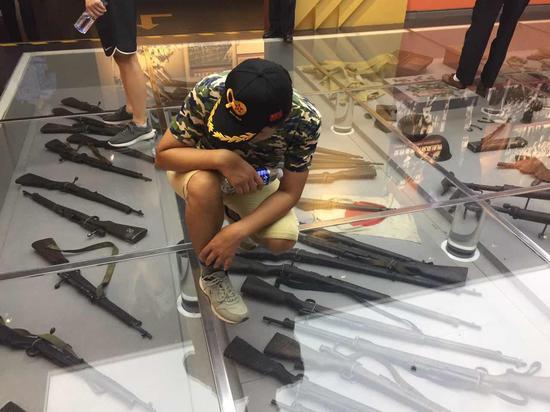 中国人民抗日战争纪念馆内的各种珍贵展品,令玩家惊叹不已