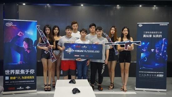 在城市精英赛上获得深圳分区冠军的LGNN战队