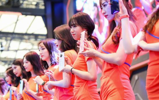 《【煜星在线平台】2020 chinajoy北通宙斯游戏手柄×金属对决掀起试玩热潮》