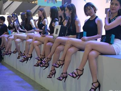 LKP的另一道风景线:YO哥和千亿的腿谁更长?