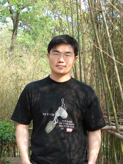 易峰 掌上明珠公司创始人,首席运营官
