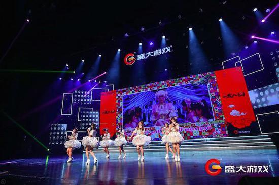 偶像女团SS idol表演