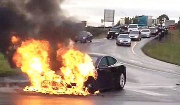 为什么电动车会自燃