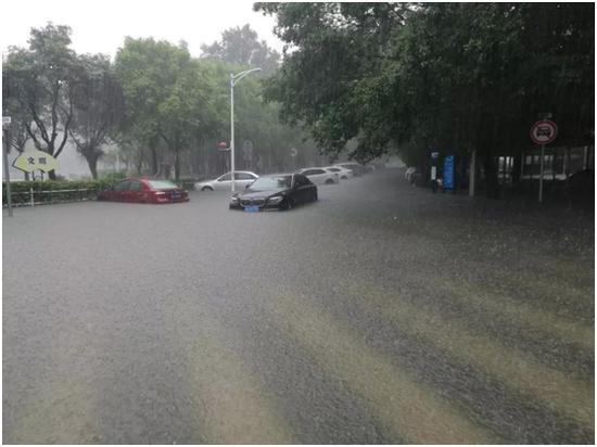 汕头市多路段出现积水