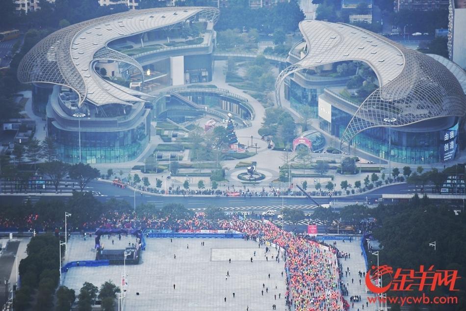 度看广马 航拍2017广州马拉松图片