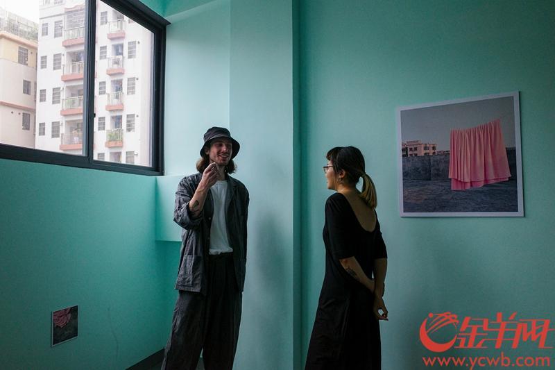 爬楼梯看摄影展——当艺术走进广州城中村