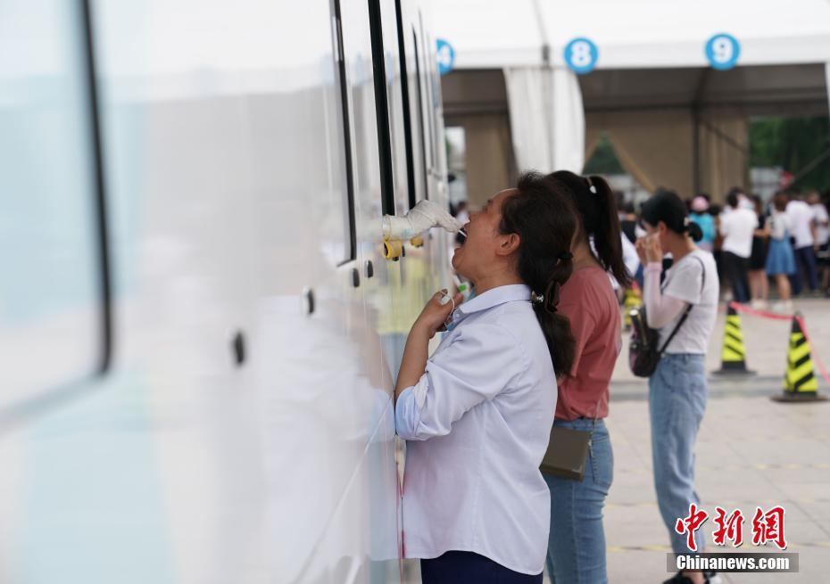 北京核酸检测采样车内设空调 改善医护人员工作环境