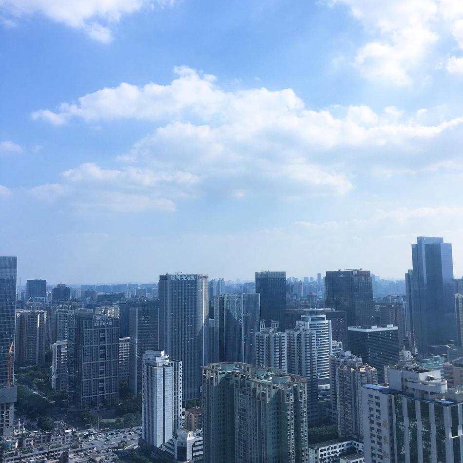 广州雨停现蓝天能见度佳