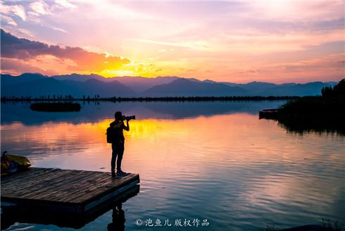 打卡宁夏沙湖的绝美落日风光