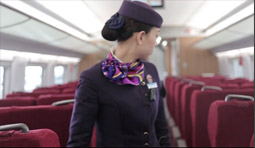 国人说变迁:女列车长眼中高铁人生