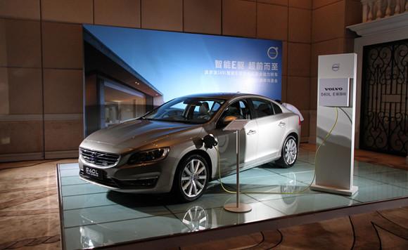 沃尔沃S60LE驱插电式混合动力车深圳上市