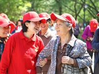 广州长者义工超10万人平均68岁 多数人表示不求回报
