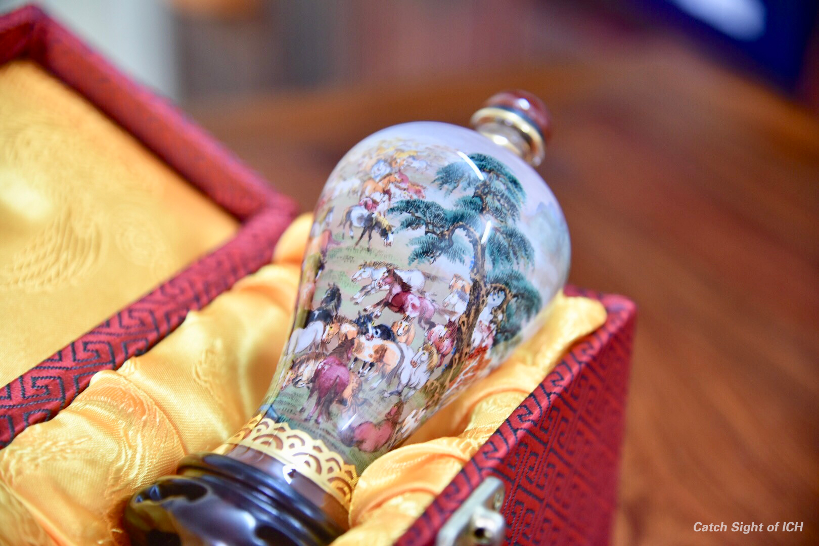 瓶内画:小磨砂壶玩转世界