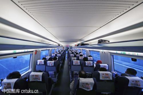 假期第二天广铁运客152万人次