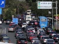 """深圳""""最堵月""""高峰期来袭 市交警呼吁绿色出行"""