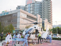 """南医大深圳医院""""空中救援"""" 两天运送3名患者急救"""