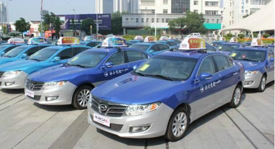 出租车调表进行中:司机不再怕堵车,乘客更看重服务