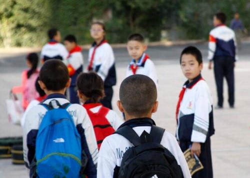 广州60万名小学低年级学生返校