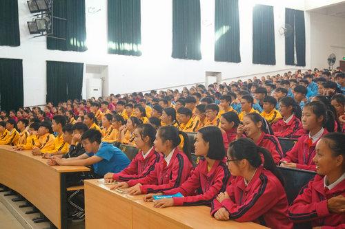 英德市悦模式教育走入课堂 让学生享受学习的快乐