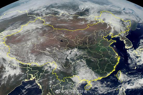 4月17日下午我国陆地风云4号卫星云图,可见全国大部为晴空区