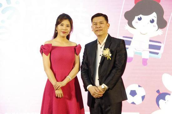 左:广东广播电视台《今日关注》主持人黎绮雯;右:广州市新导向文化