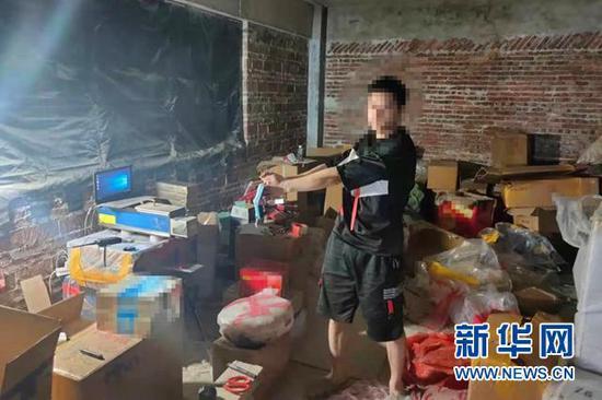 广州黄埔警方捣毁一假烟仓储窝点 案值逾700万元