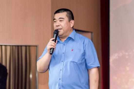 东莞市山西商会终身荣誉会长、广东宏达工贸集团董事长 袁斌先生发表讲话