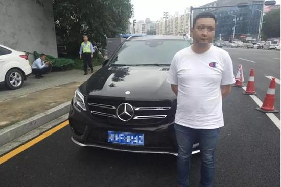 深圳三位司机将旧牌装在新车 被记12分