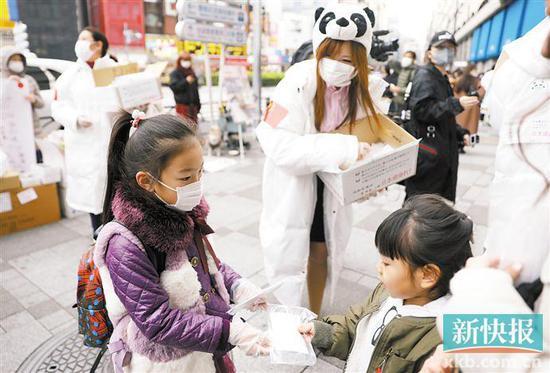 国内儿童专用口罩生产缺乏专属标准 家长操碎了心