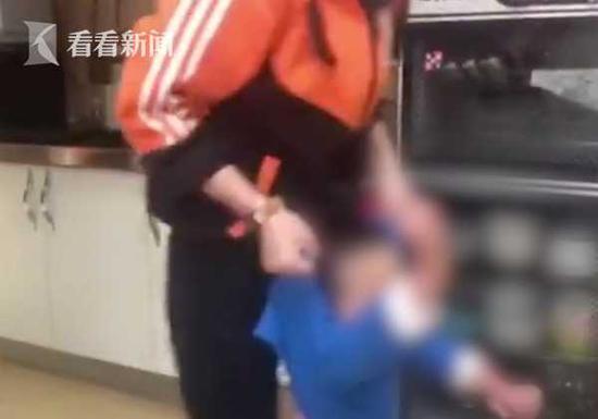 2岁半男童遭老师殴打 涉事托育园已停课