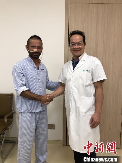 艾尔与王涛 祈福医院供图