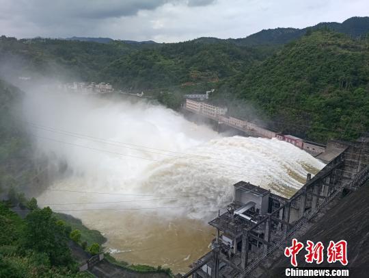 广东省水库拦蓄洪水超4亿立方米 广东省水利厅 摄