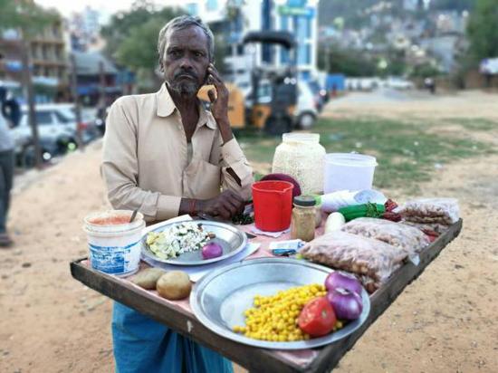 坦森贩卖美食的商贩