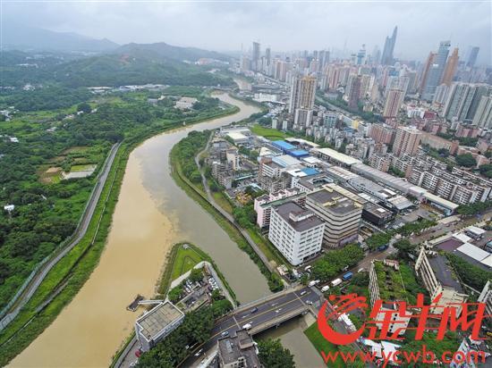 从29日夜间开始,深圳有19座水库陆续泄洪,目前深圳市河流、水库水位正常 记者 王磊 摄