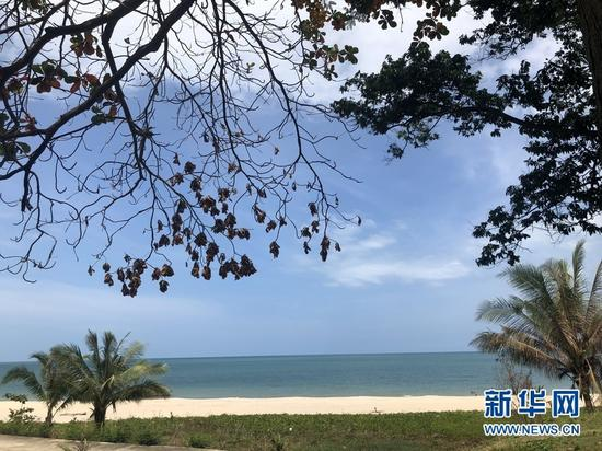 位于泰国那空是贪玛叻府的人迹罕至的纯净海滩
