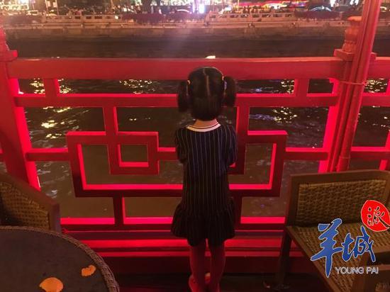 bob足球:少年珠江夜游落水 记者回访:游人不减涉事船只停运