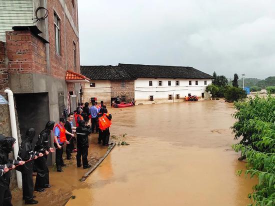 受灾救援现场。来源:连平县委宣传部