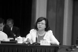 全国人大代表、省社会科学院产业经济研究所所长向晓梅。