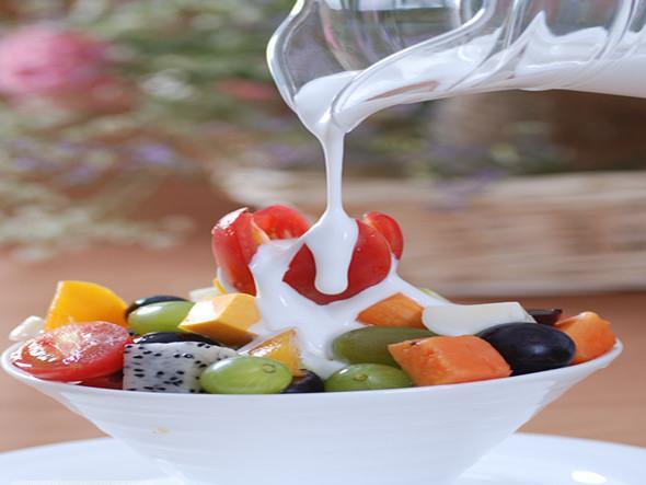 酸奶三种喝法减肥又丰胸