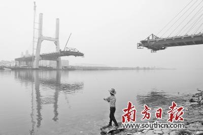 小榄水道大桥预计将于今年12月初合龙,主体工程计划在12月底完成。 南方日报记者 叶志文 摄