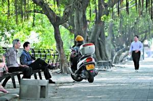 """""""共享摩的""""或可激活一些闲置的摩托车。"""