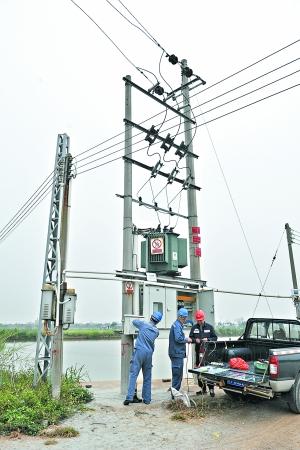 郑木兴,胡家玥)在其他地区因为刮台风将电线杆吹倒导致高压线漏电